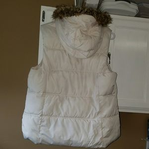 Old Navy white vest with fur hood size large